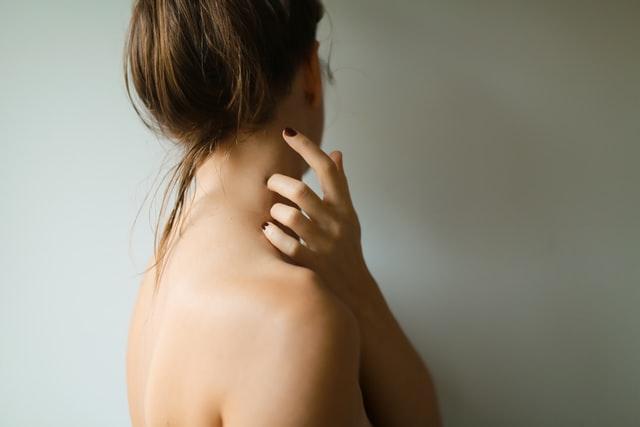 Choosing Between Neck Liposuction and Neck Lift